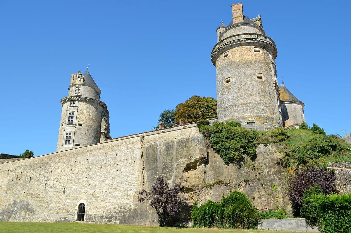 Que visiter autour de Palluau en Vendée : Château d'Apremont