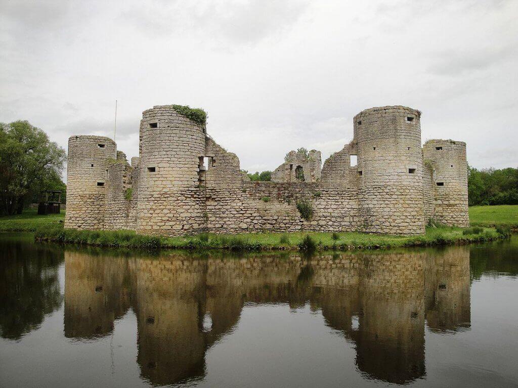 Que visiter autour de Palluau en Vendée : Château de Commequiers
